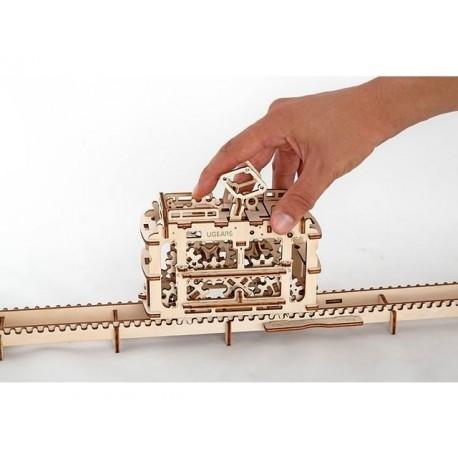 Модель трамвай с рельсами