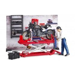 Bruder Игровой набор мото-мастерская с мотоциклом Ducati, фигуркой и инструментами (62101)